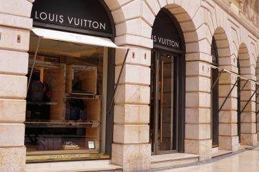 luxury-1487548_1920